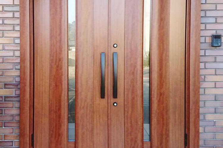 ドアのリフォーム事例
